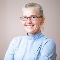 Dr Renata Noori - Stomatolog